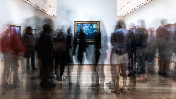 Noisy -hour With Van Gogh Masterpiece