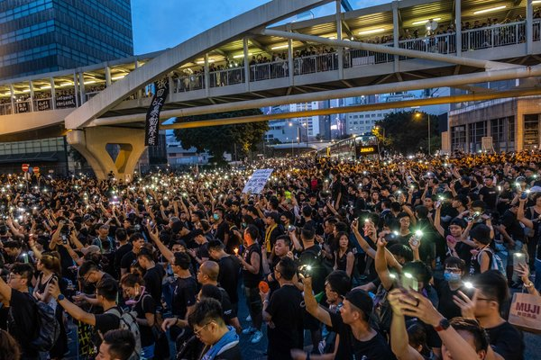 As Hong Kong Erupted Over Extradition Bill. City's Tycoons Waited and Worried - The New York Times