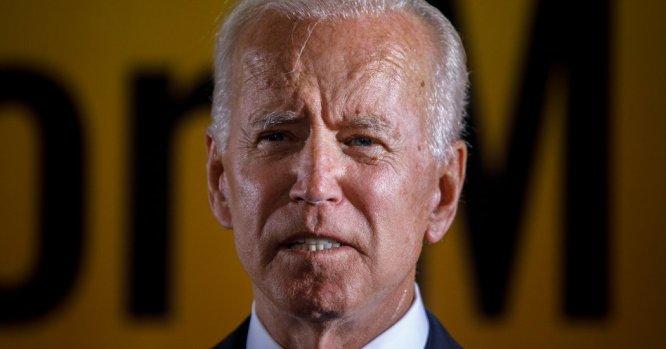 Joe Biden Called Cory Booker. But Apologize? It's Not the Biden ...