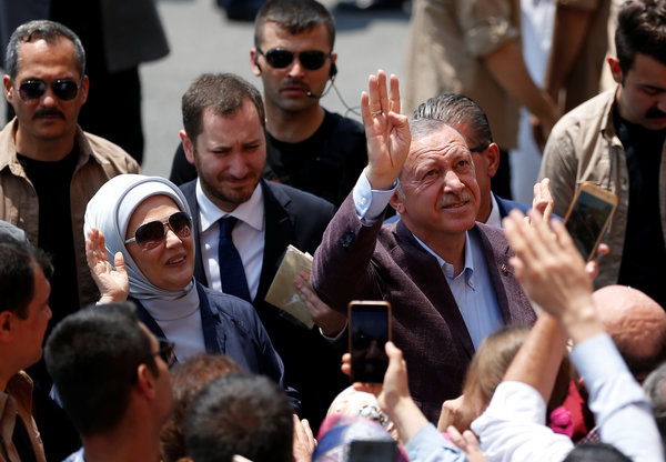 President Recep Tayyip Erdogan of Turkey, center right, will have his hands full in containing the fallout from the electoral defeat.