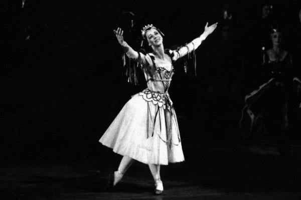 julia farron acclaimed ballerina