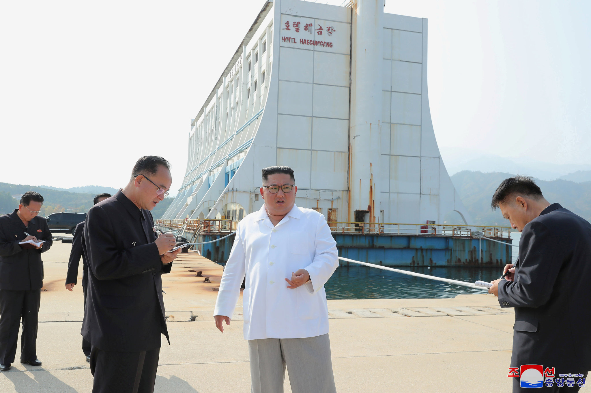 Kim Jong Un Orders Shabby South Korean Hotels In Resort