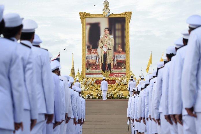 El Primer Ministro de Tailandia, Prayuth Chan-ocha, celebra el cumpleaños del rey en julio de 2019   Lillian Suwanrumpha / Agence France-Presse — Getty Images