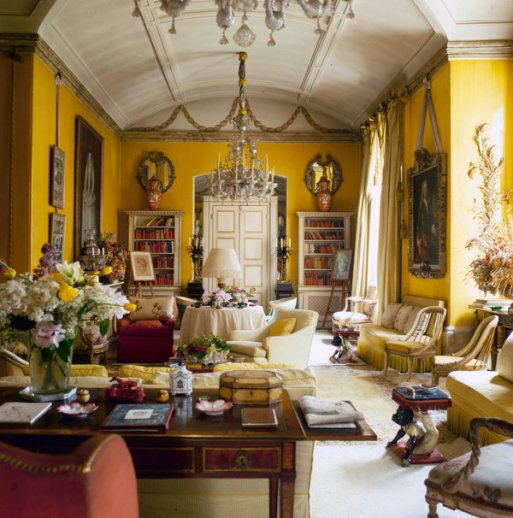 The butter-yellow living room at Nancy Lancaster's flat in London, photographed in 1980.