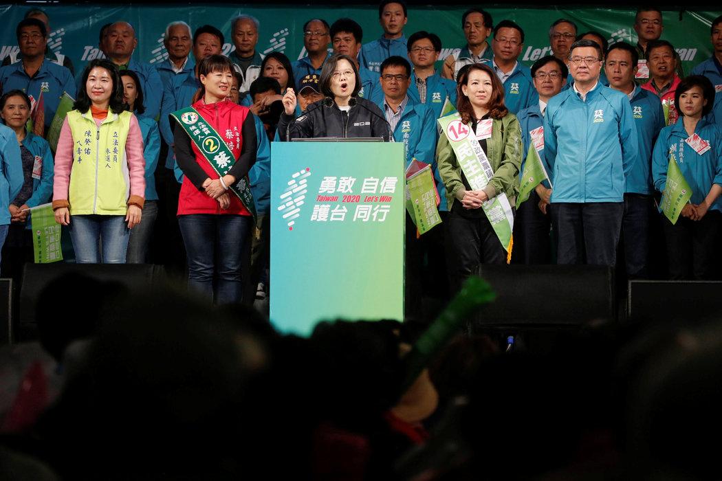 中國陰影下的臺灣大選:蔡英文為何能扭轉選情 - 紐約時報中文網