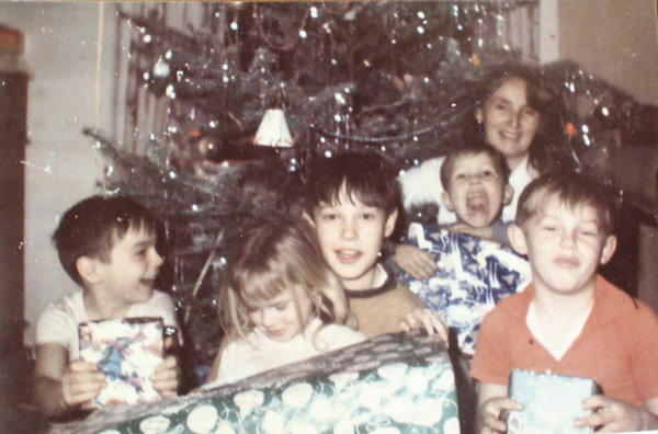 The Knapps around the Christmas tree in Yamhill, Ore., circa 1968. Dee Knapp is in the back, and from left are Nathan, Rogena, Farlan, Keylan and Zealan.