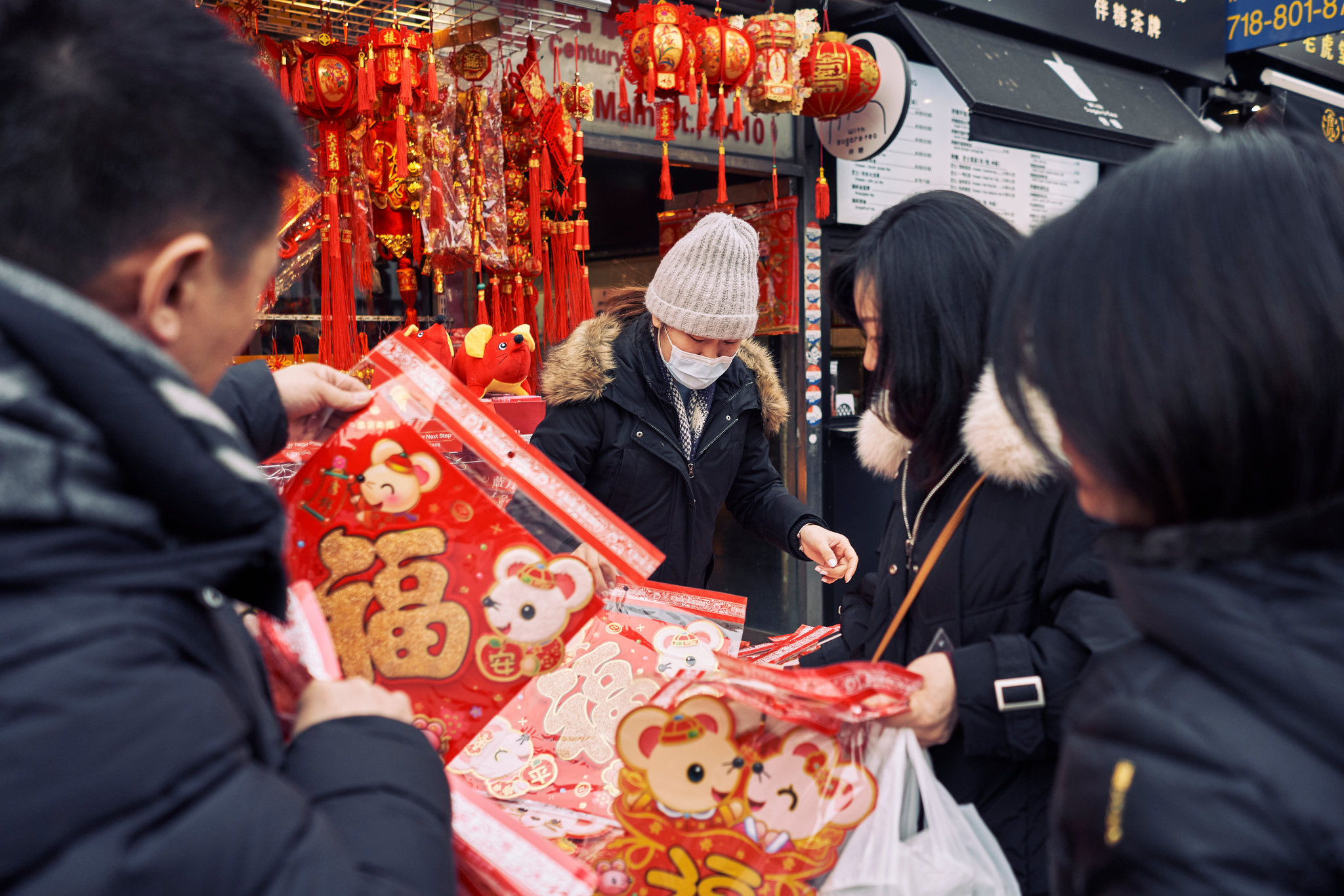 As Coronavirus and Fear Spread to the U.S., Chinese-Americans Rush ...
