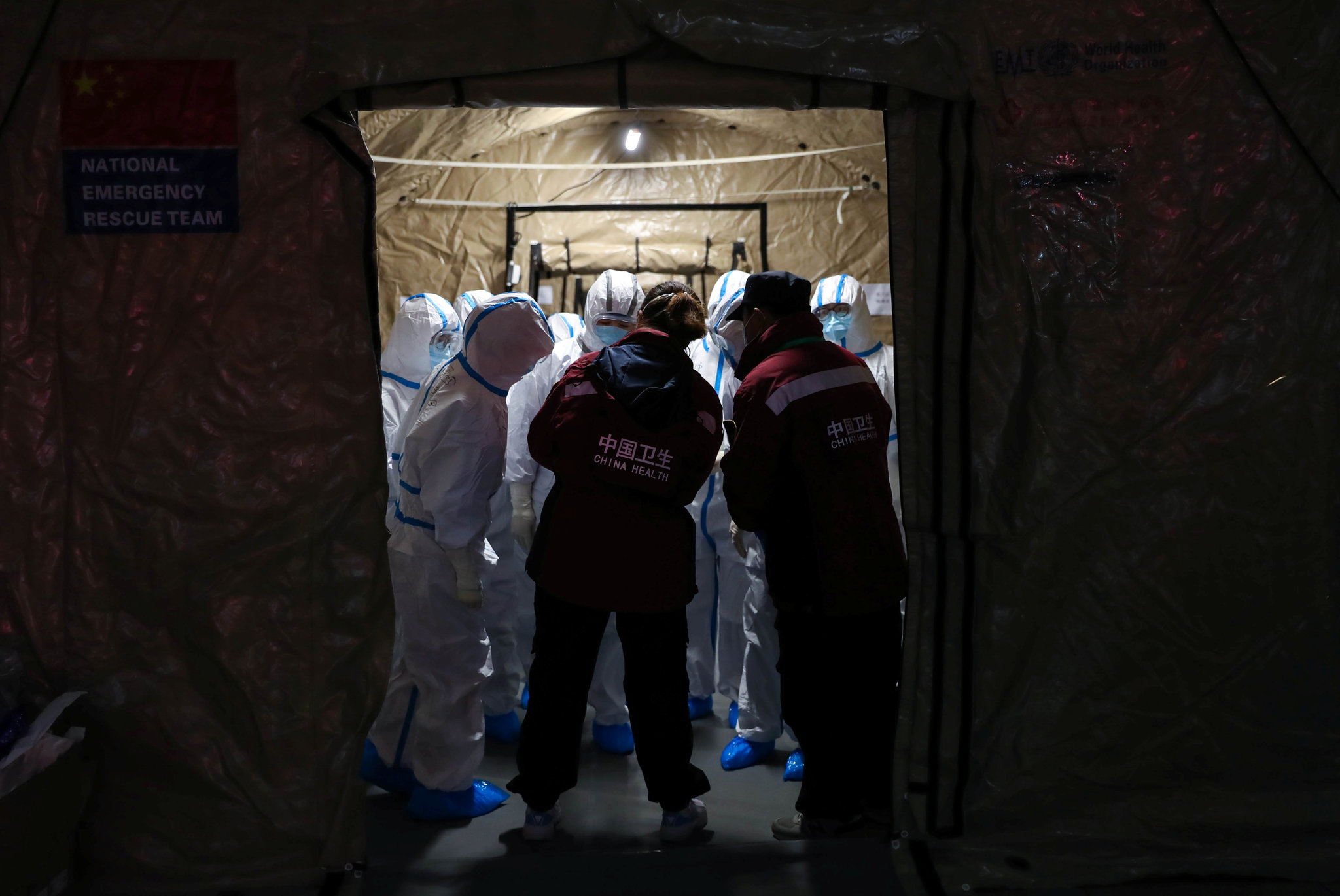 Deaths in China From Coronavirus Reach 811, Surpassing SARS Toll ...