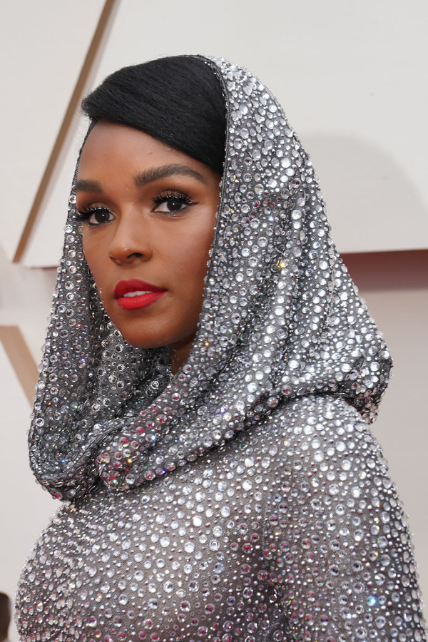 Janelle Monáe opened the Oscars.