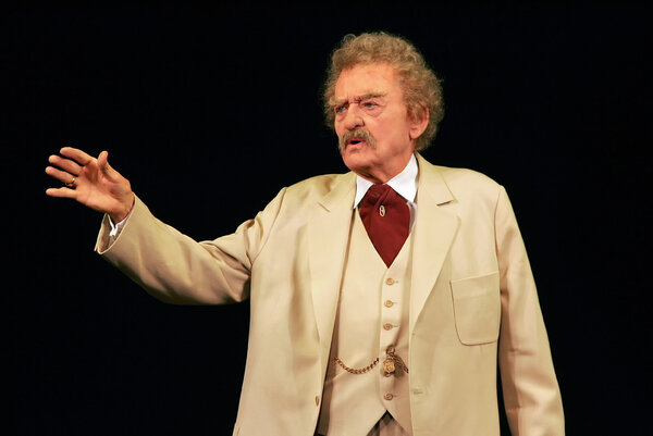 Hal Holbrook on stage as Mark Twain in 2005. Mr. Holbrook was 29 when he started playing Twain at 70; as he grew older, he found he needed less and less makeup to look elderly.
