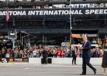Trump Kicks Off the Daytona 500, and a Race for Florida Votes