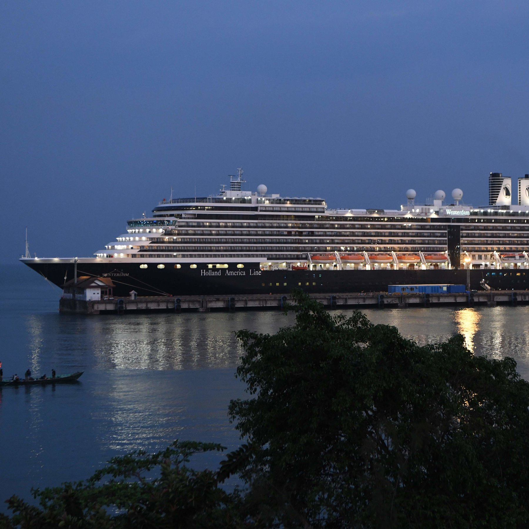 Cruise Giant Carnival Works to Manage Deepening Coronavirus Crisis ...