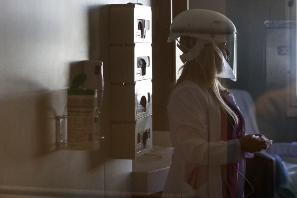 U.S. Cases of Coronavirus Surpass 1,000; British Health Minister ...
