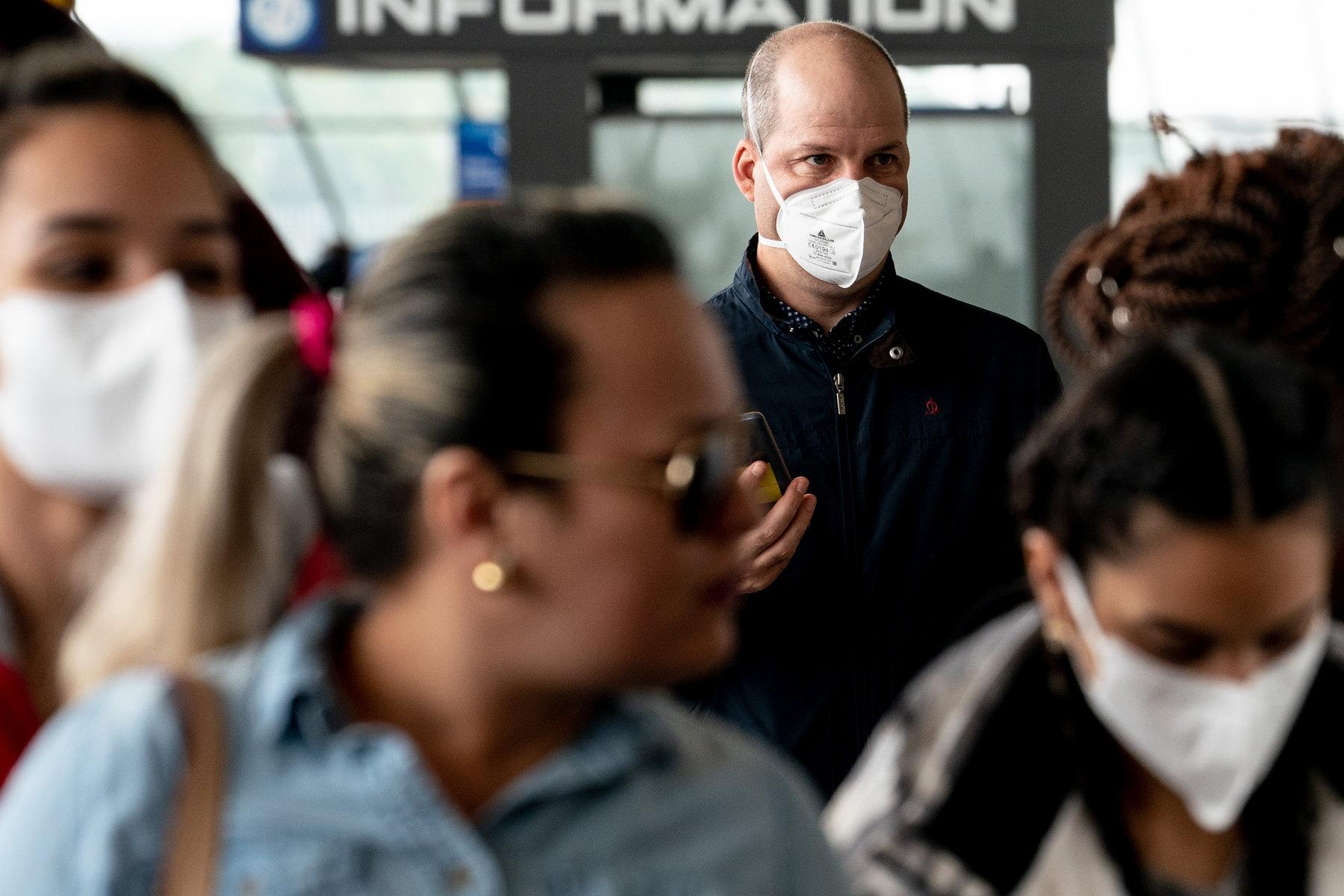 Worst-Case Estimates for U.S. Coronavirus Deaths - The New York Times