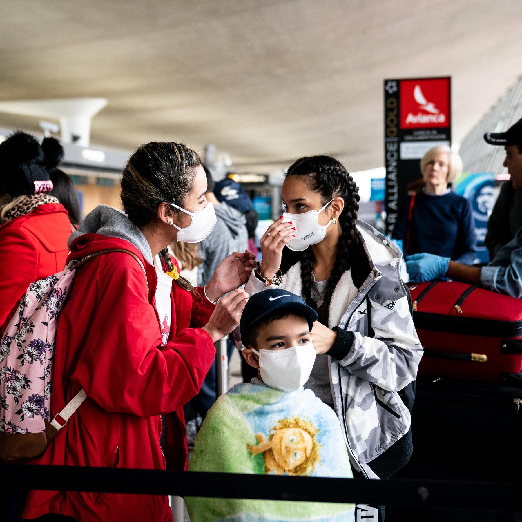Travelers From Coronavirus Hot Spots Say They Faced No Screening ...