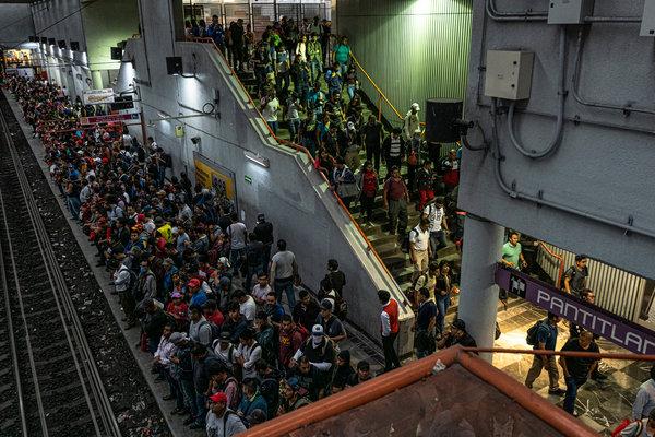 Usuarios del metro de Ciudad de México en abril de este año