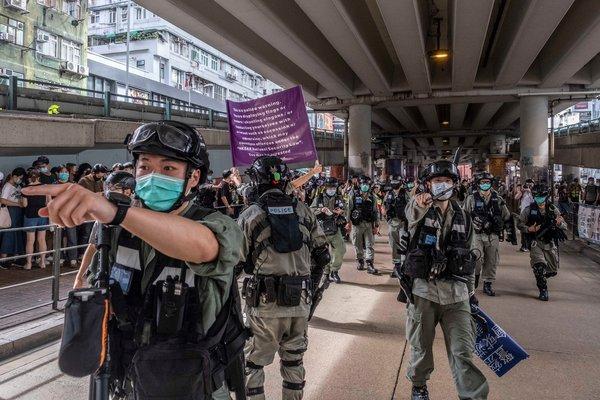 簡報:新國安法生效首日數百人被捕;香港遭遇令臺灣擔憂 - 紐約時報中文網