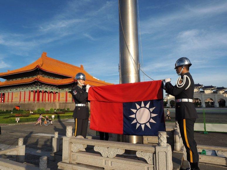 台北自由广场上周的一次升旗仪式。