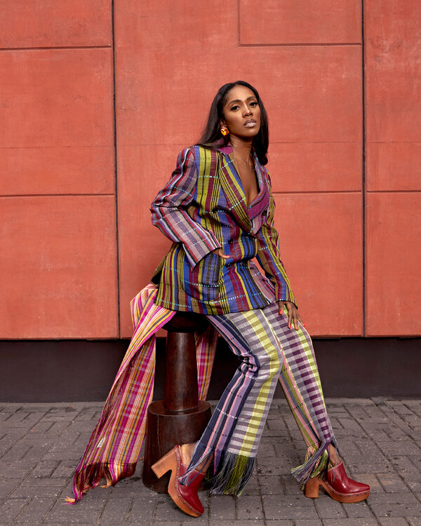 Tiwa Savage, Queen of Afrobeats, Makes a New Start - The New York Times
