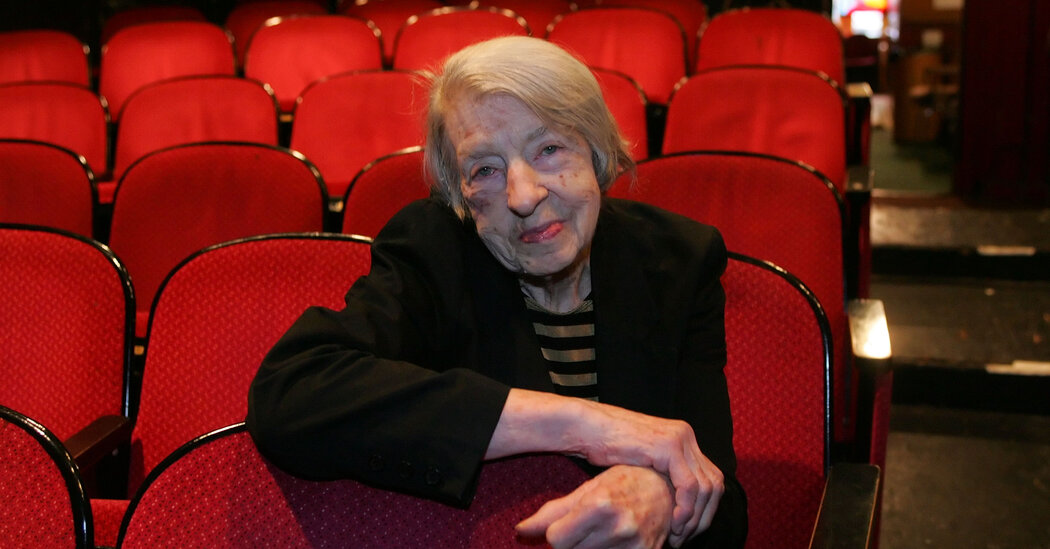 Edith O'Hara, a Fixture of Off Off Broadway, Dies at 103