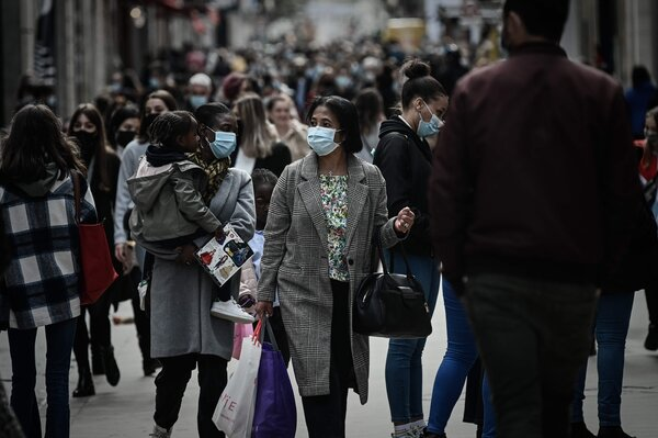 Shoppers on Wednesday in Bordeaux, France. French officials expect the new lockdown will have a severe effect on many businesses.