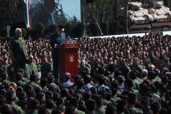 Cienfuegos, ex ministro de Defensa y general retirado del ejército, fue acusado en Brooklyn de tráfico de drogas y de ayudar a un violento cártel de drogas.