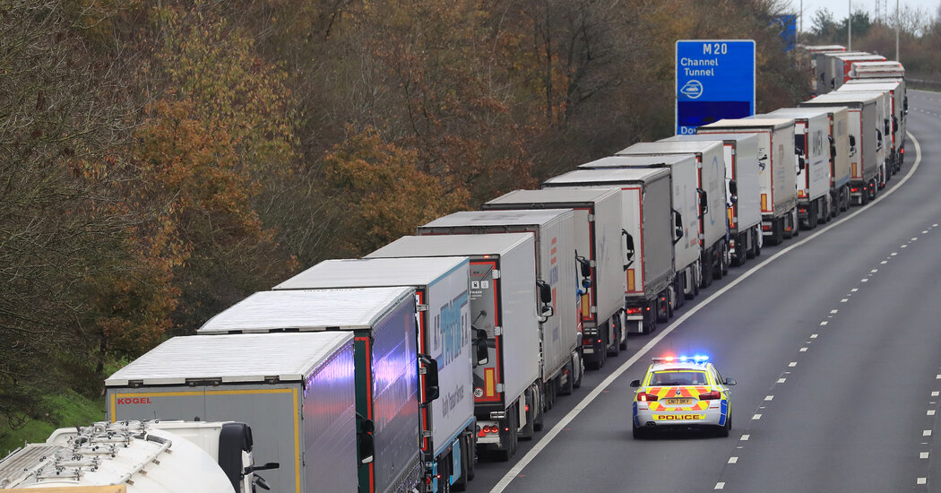 Post-Brexit Border Test Leads to 5-Mile Traffic Jam in Southern England