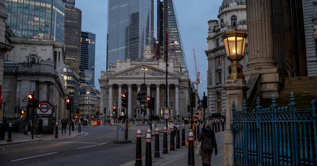 Bank of England Rebuked Over 'Missing'  Billion of Cash