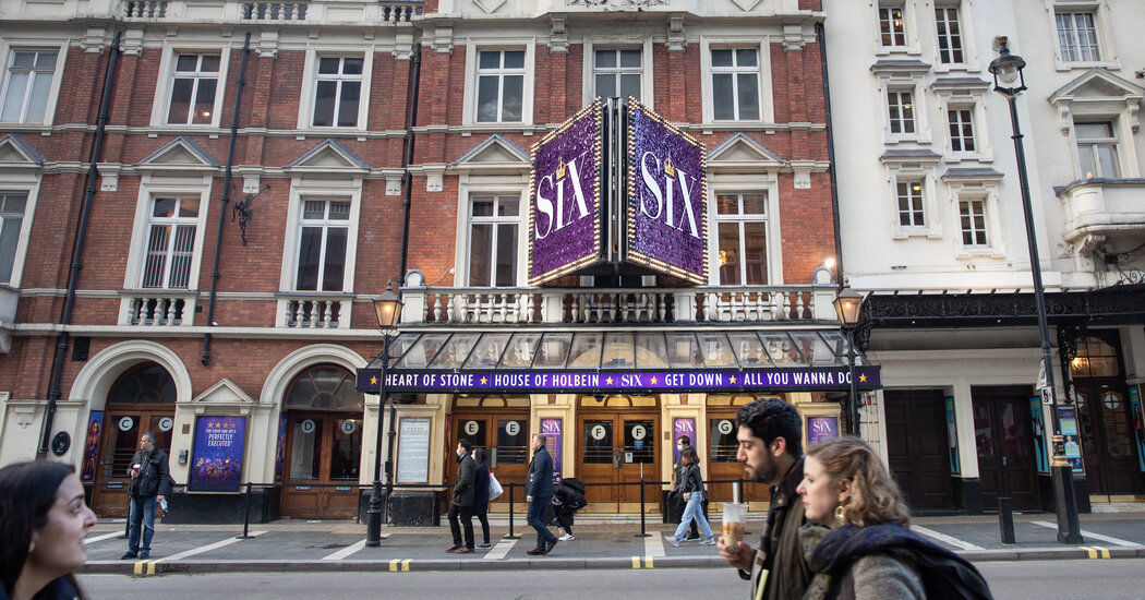 Days After Reopening, London Theaters Must Shut