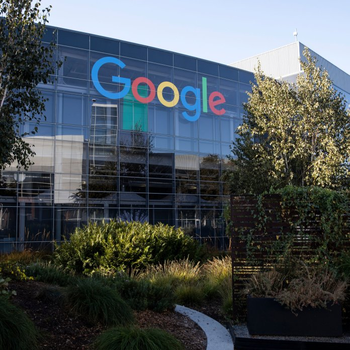 Google Delays Return to Office and Eyes 'Flexible Work Week' - The New York  Times