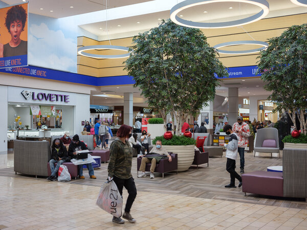 Shoppers at Gateway Mall in Lincoln, Neb., on Black Friday.Retail sales fell 1.1 percent in November, the Commerce Department reported.