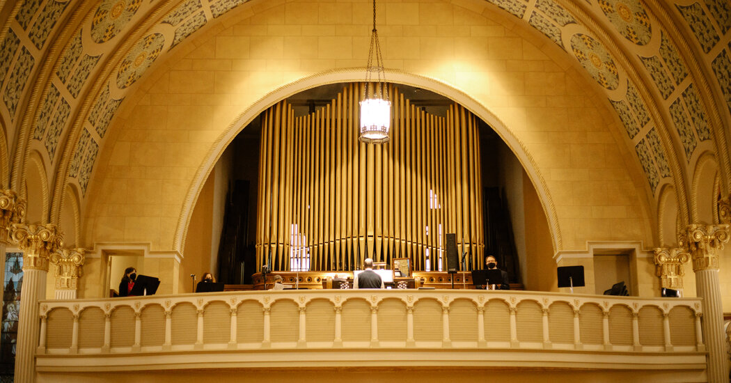 Christmas Without Music? Churches Are Finding a Way