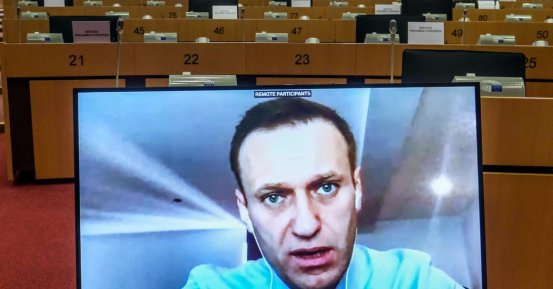 As evidence increases that Navalny was poisoned by the state, the Russians sigh