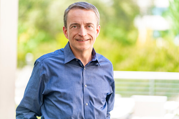 Pat Gelsinger will replace Robert Swan as chief executive of Intel, the company announced.