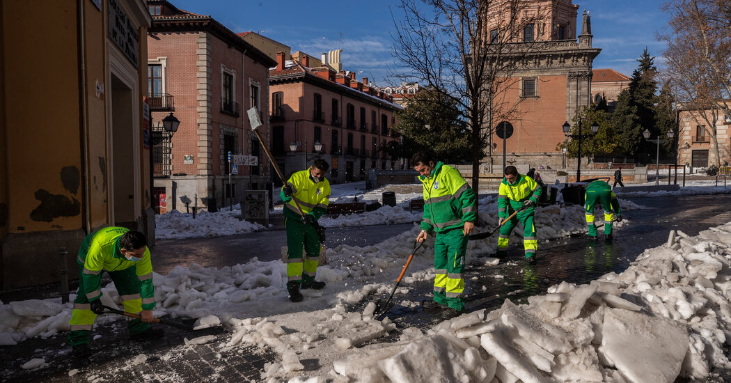 Madrid Mayor Says Snowstorm Caused Nearly  Billion in Damage