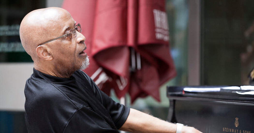Junior Mance, Jazz Pianist Who Played With Giants, Dies at 92