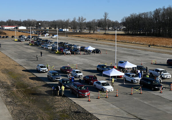 A mass coronavirus vaccination site in Poplar Bluff, Mo., last month. Missouri is halting vaccination distribution for the week because of safety risks from the storm.