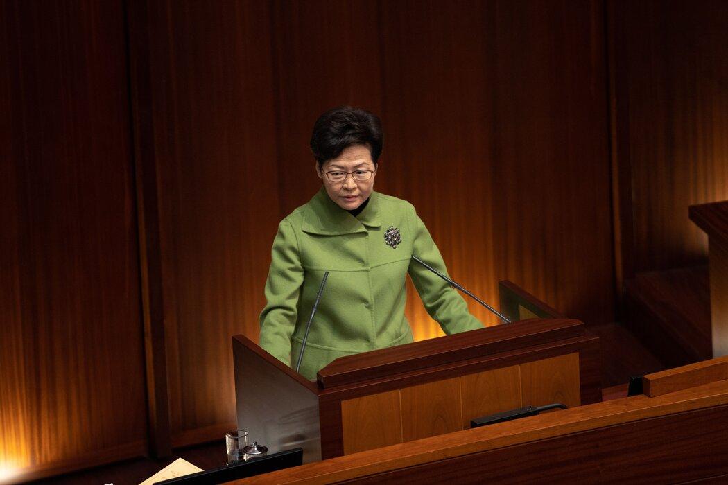 香港领导人林郑月娥说,围绕香港政治前途问题多年来不断爆发抗议活动,迫使中央政府采取行动。
