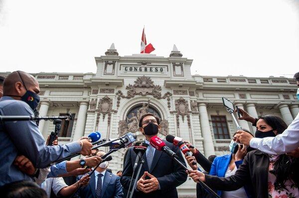 Martín Vizcarra, expresidente de Perú, recibió el pinchazo en secreto cuando aún ocupaba el cargo antes de que se aprobaran o se compraran las vacunas.