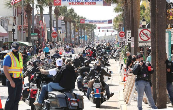 Main Street in Daytona Beach, Fla., this week. Some fear a superspreader event in the making.