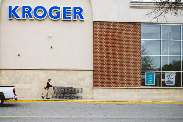 Kroger requires employees and customers to wear masks.