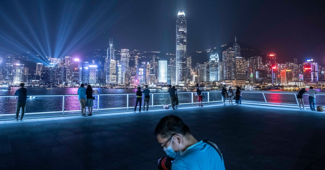With a Big Tax Break, Hong Kong Tries to Soothe the Rich