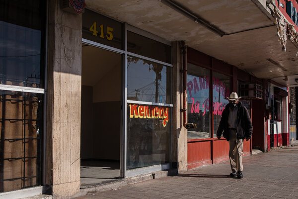 Several of the migrants had been staying at cheap downtown hotels in Mexicali before preparing to cross the border.