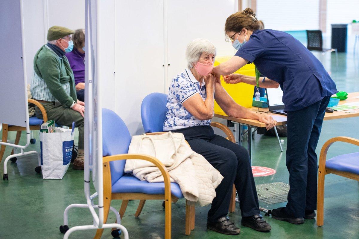 阿斯利康疫苗导致血栓?牛津大学:暂停英国儿童临床试验
