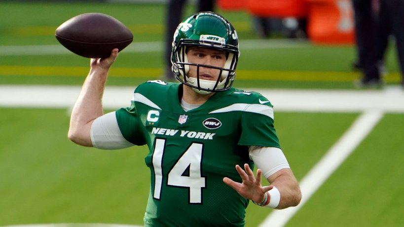 Jets Trade Sam Darnold to Carolina Panthers - The New York Times