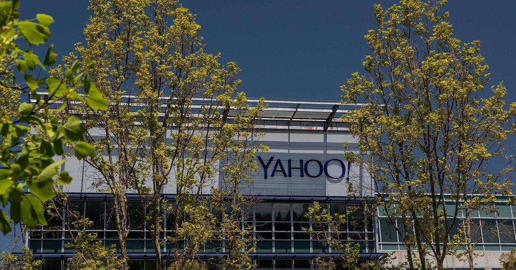 Verizon Sells AOL and Yahoo to Apollo for  Billion