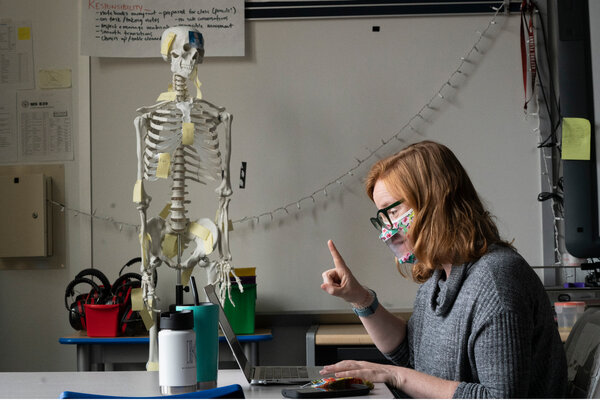 Whitney Bush, a science teacher at Middle School 839 in Brooklyn, talked with students over Zoom during an online orientation session last September.
