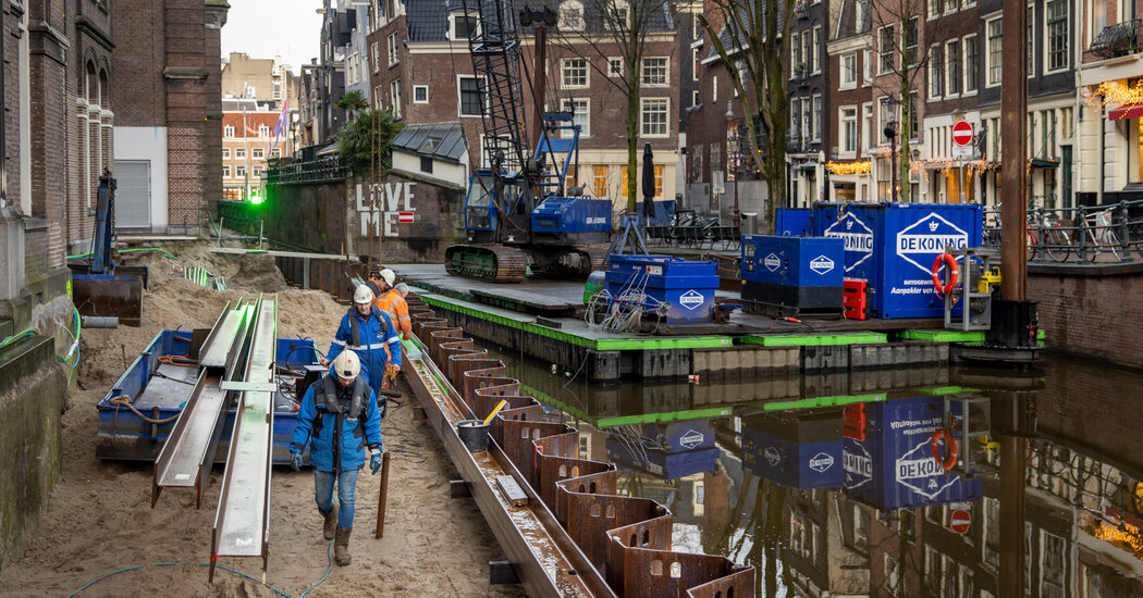 Amsterdam Works to Shore Up Its Crumbling Canals and Bridges
