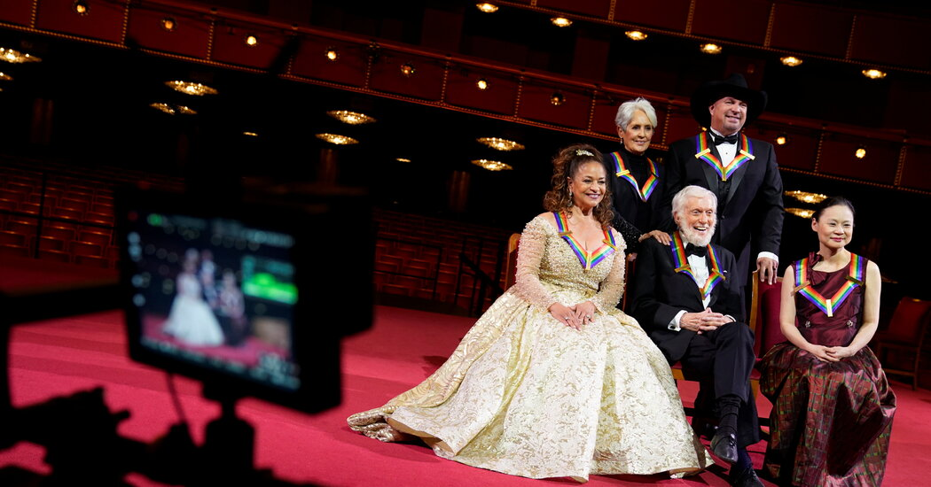 The Toasts Are Mimed, but the Kennedy Center Honors Return