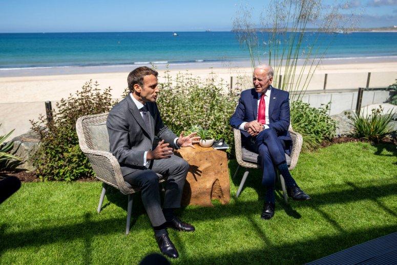 上周六,美国总统拜登与法国总统埃马纽埃尔·马克龙在康沃尔见了面。拜登呼吁联合起来挑战中国的影响力,但一些欧洲国家不愿这样做。